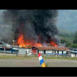 pembakaran masjid papua